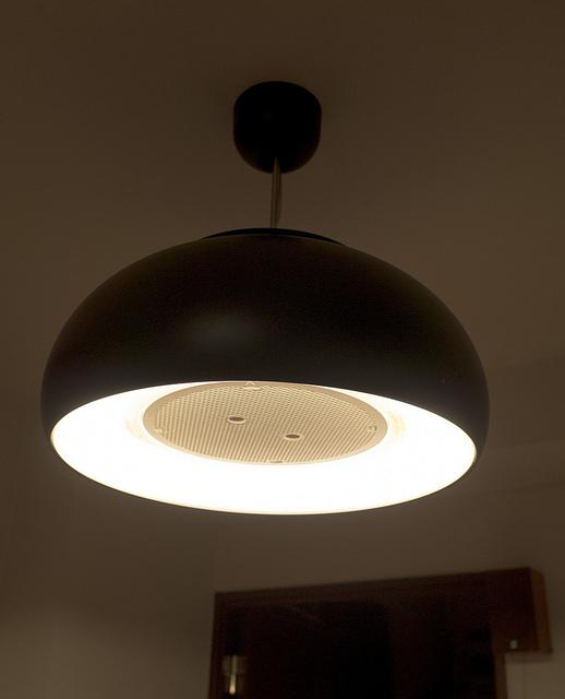 富士工業 cookiray LED照明+空気清浄機で焼肉・鍋を食卓で