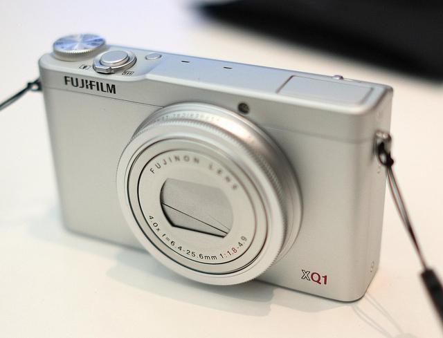FUJIFILM XQ1 とても綺麗に撮れてWi-Fiですぐに共有できるのが楽しい高級コンデジ