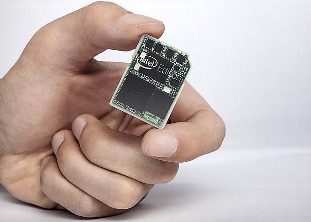 IntelがSDカードサイズのコンピュータEdisonを発表