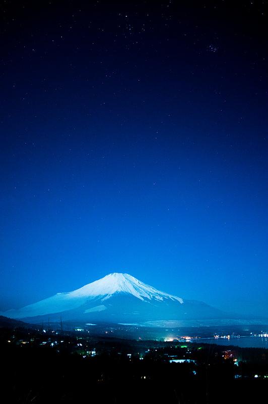 冬の名物「ダイヤモンド富士」&「富士の星空」撮影ツアーに参加して、写真を撮ってきました