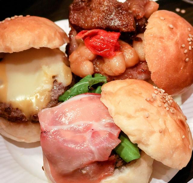 マンスリーハンバーガーTV 2周年記念スペシャルパーティ!でスペシャルなハンバーガーを頂きました