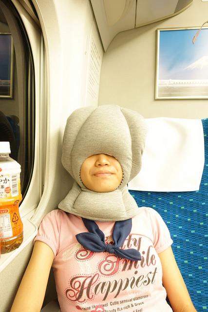 メルクロス OSTRICH PILLOW JUNIOR 新幹線で使ってみた