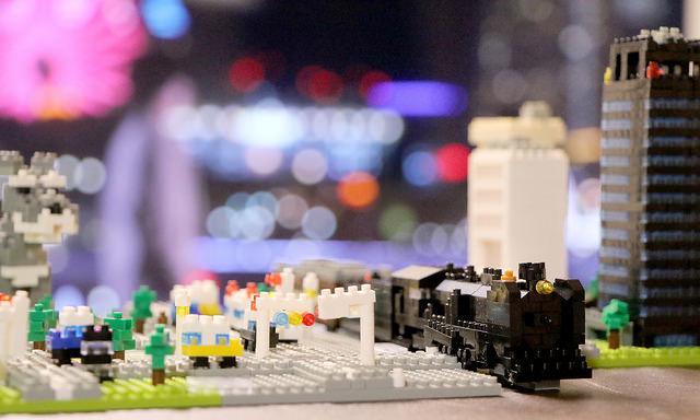 nanoblock nanoGauge 子供と一緒に作った まちと電車のある風景