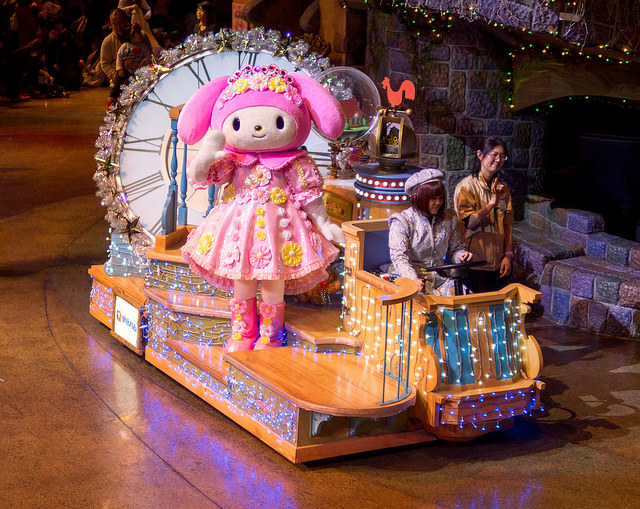 サンリオピューロランド 新パレードOMOIYARI TO YOUと不思議の国のハローキティ