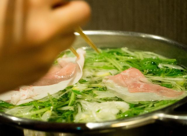 山梨ワイン豚しゃぶしゃぶENZAN新橋店