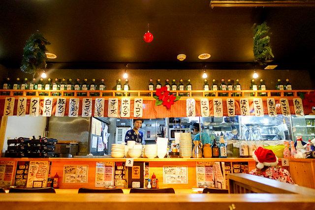 錦糸町 焼鳥と燻製の居酒屋さん とりとんくん 子供と一緒に鶏刺しやもつ鍋を食べに行きました