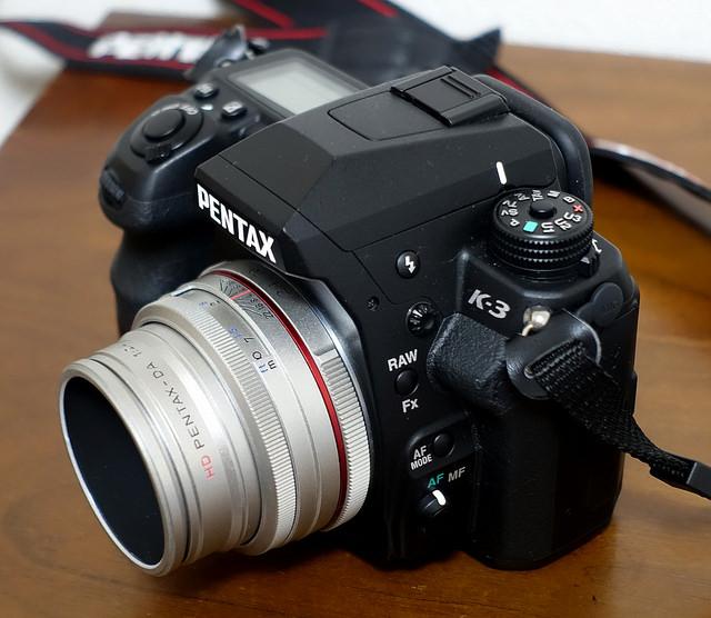 PENTAX K-3 + HD PENTAX-DA 70mmF2.4 Limited 新幹線の中から富士山を撮影