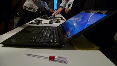 Lenovo ThinkPad X1 薄くスタイリッシュになっても驚異的な堅牢性