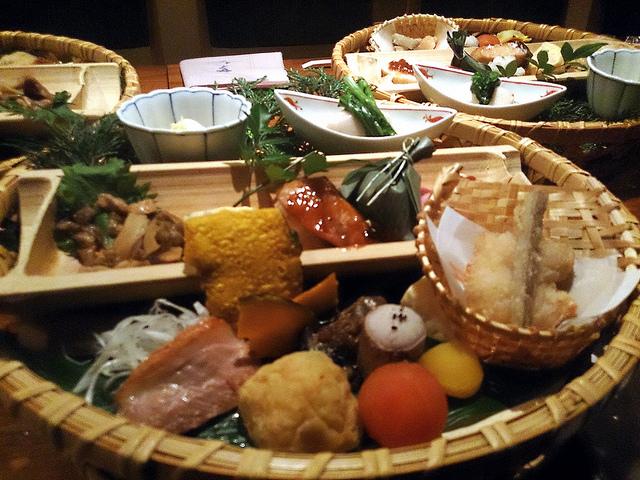 彩りきれいな菜なの籠盛り@渋谷宮益坂下店