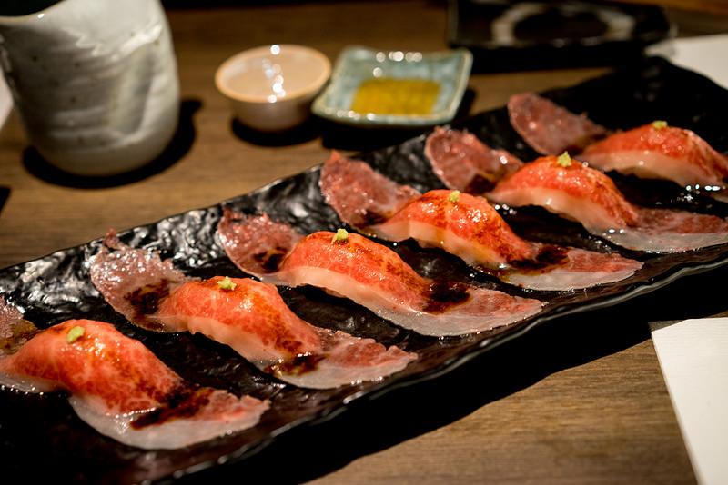 うしごろ貫 五反田店 厳選の日本酒と赤身肉・霜降り肉・ホルモンを満喫