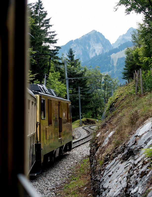 スイスといえば山村とチーズとチョコ そのすべてを欲張りに楽しめるチョコレート・トレイン #ユーレイル