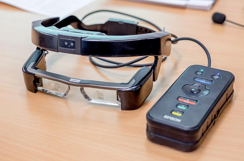 実証実験での声を反映して開発した業務用モデルMOVERIO Pro BT-2000が素晴らしい ぜひコンシューマモデルも