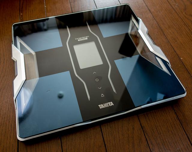 iPhoneと連携できる多項目体組成計 TANITA RD-900