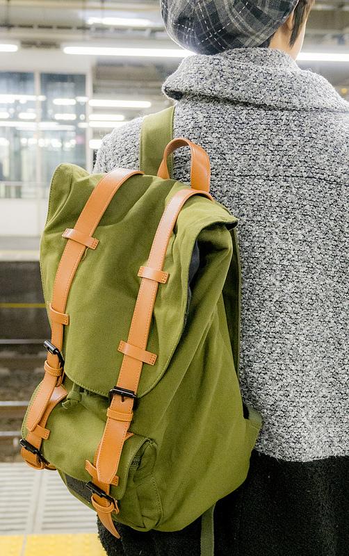お気に入りの #バックパック が見つかると一緒に旅に出たくなる #GastonLuga Clässic – Olive & Brown