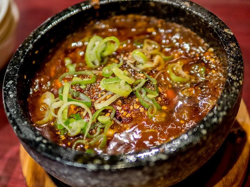 本場の痺れと辛味と旨味を感じる頂天石焼麻婆豆腐 陳家私菜 渋谷店