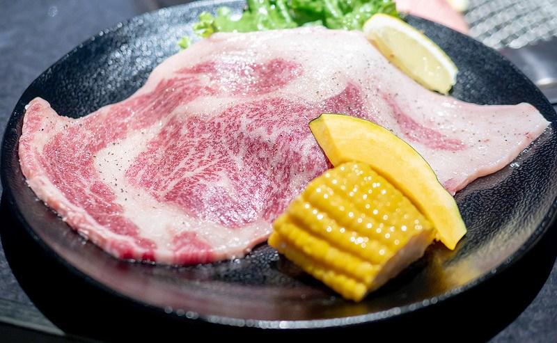 驚きの大きさのリブロースや牛たんステーキが楽しめる 板橋区大山 焼肉 ふくみ