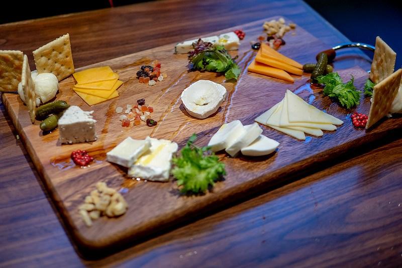 ジャパニーズクラフトとチーズのマリアージュ CHEESE SQUARE 船橋店