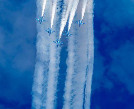 基地創設60周年記念 #入間航空祭 #ブルーインパルス 展示飛行 と F-2,F-15J,C-2帰投