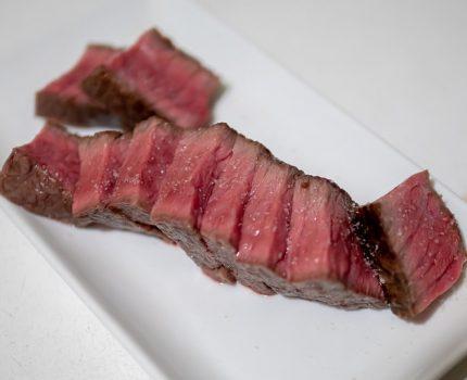 コスパ最強で予約が取れない赤身肉の人気店 「肉山」最高峰に登頂