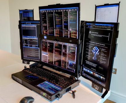ノートPCでマルチディスプレイ 7画面 Aurora 7 プロトタイプ と Aqual モバイルデュアルディスプレイ