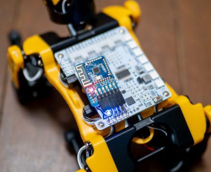 犬型ロボット Petoi Bittle をプログラム作成して動作させてみました