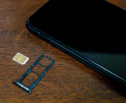 無料で楽天モバイルをeSIMからSIMカードに変更