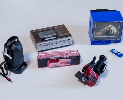 昭和のAV家電 テレビ・ビデオ・ビデオカメラ・ラジカセ・ヘッドホンなどの精巧なミニチュア Victor ヒストリカル ミニチュアコレクション